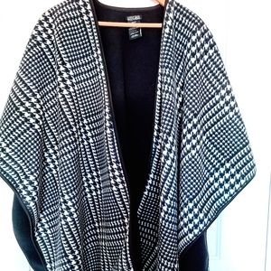 Nicole Miller Fleece Wrap Cape Elegant Warm